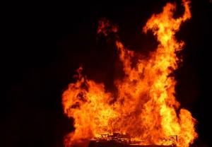 взрив, пожар