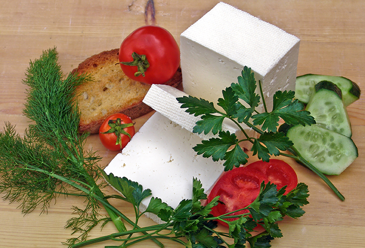 Домати и сирене